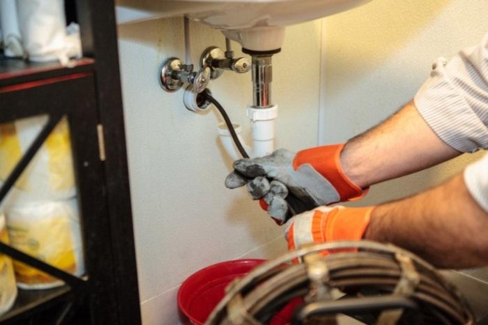 Có rất nhiều nguyên nhân khác nhau gây ra tình trạng tắc nghẽn tại ống cống.