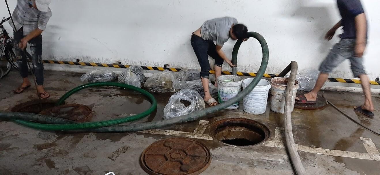Tắc đường ống thoát khí nhà vệ sinh gây hậu quả nghiêm trọng