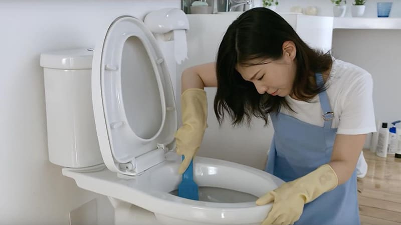 Bạn có thể tự xử lý hầm cầu bị hôi tại nhà