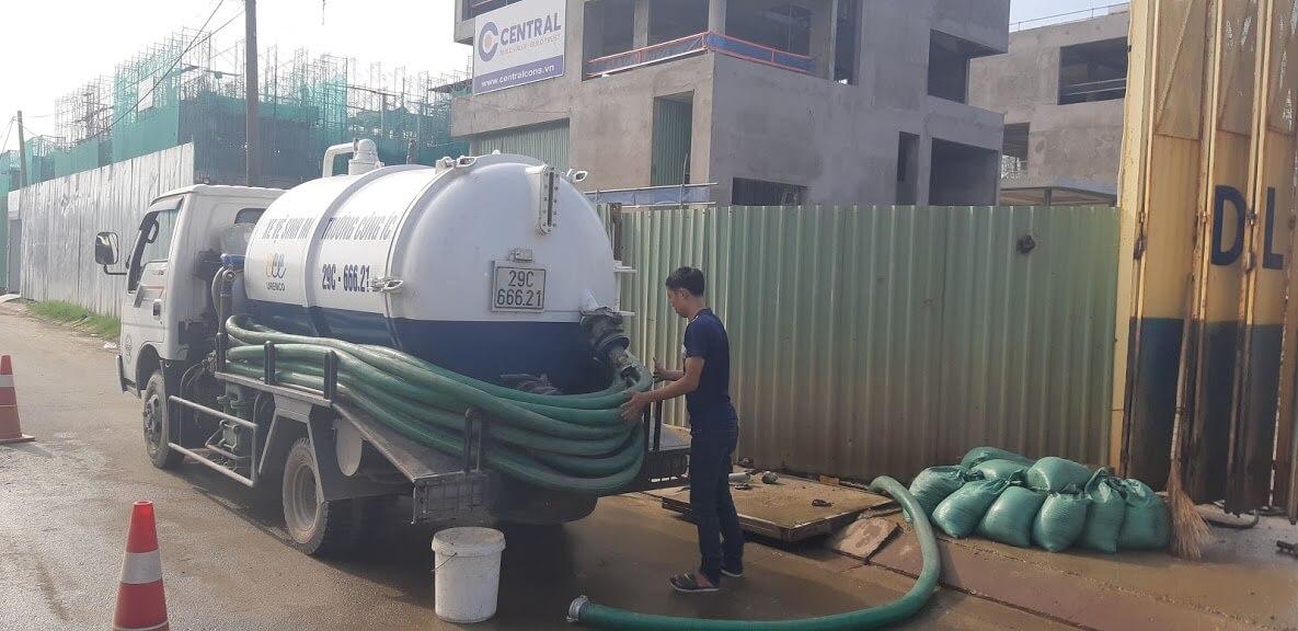 Hệ thống máy móc hiện đại đáp ứng dịch vụ hút hầm cầu huyện Kế Sách